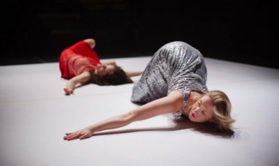 Marilou Lépine and Jasmine Inns in Fracture by choreographer Yvonne Coutts.