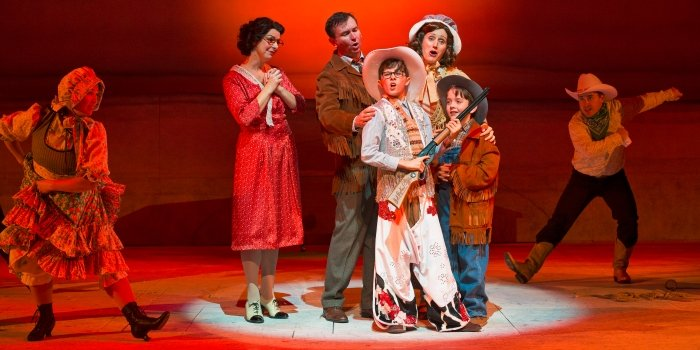 Miss Christmas Cast.Theatre Review A Christmas Story The Musical Is A Great