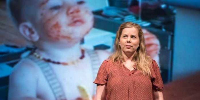Meet Vancouver theatre professional, writer and actor, Emelia Symington Fedy.